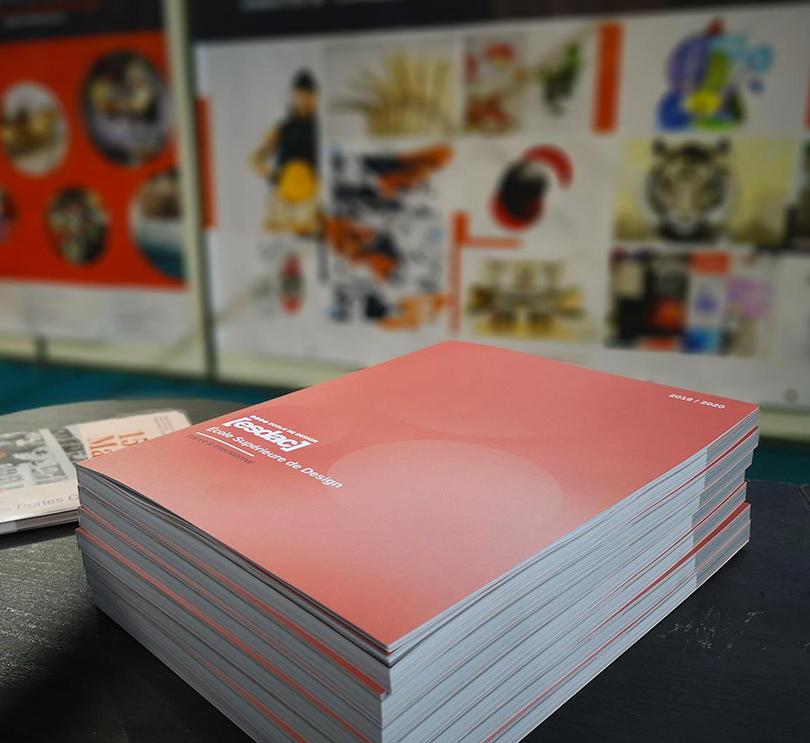 La brochure de l'école de design ESDAC sur les salons Étudiants